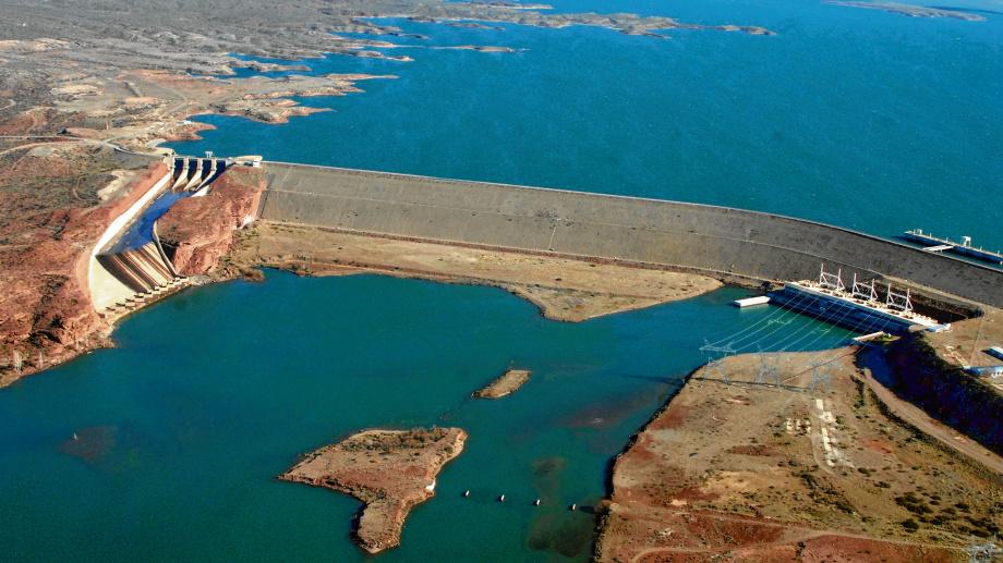 Sin las grandes obras, el río dejaría de tener regulación hacia los valles.