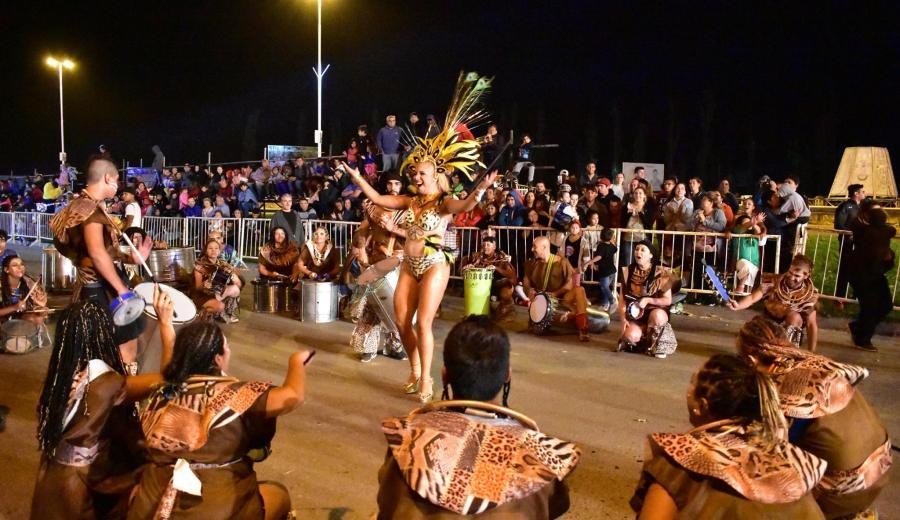 El carnaval de Centenario Foto:  @municentenario