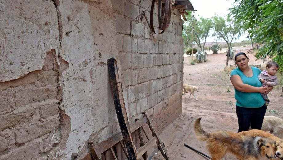 Los vecinos afirman que los sismos arruinaron sus casas, pero su origen sigue siendo un misterio. (Archivo Florencia Salto).-
