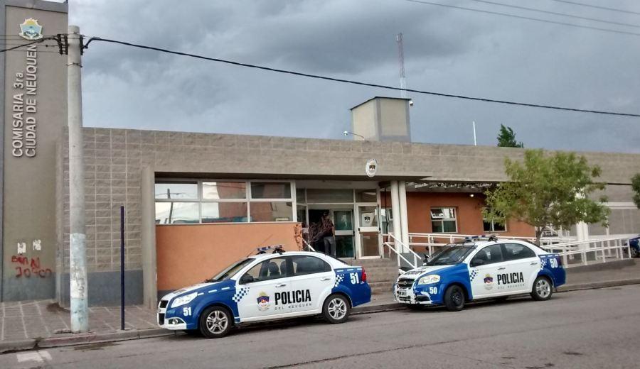 Los presos escaparon por el techo del patio de la comisaría tercera. (Gentileza).-