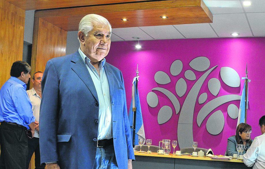 El titular del sindicato de Petroleros se encuentra de licencia en su rol de senador.  (Archivo Yamil Regules).-
