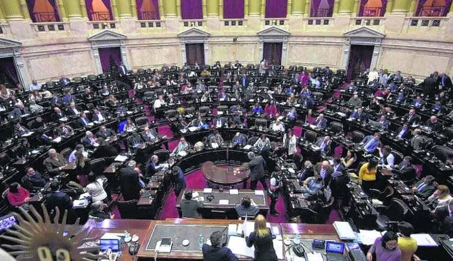 Río Negro renueva este año las tres bancas en el Senado y tres en Diputados.