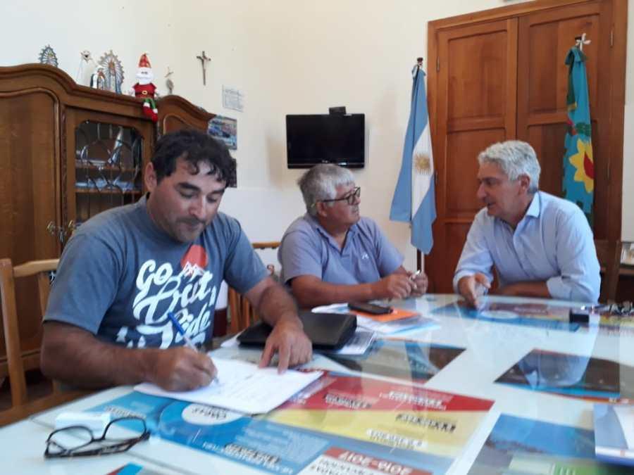 Los tres gremios firmaron el acuerdo con el municipio. (Foto: gentileza)