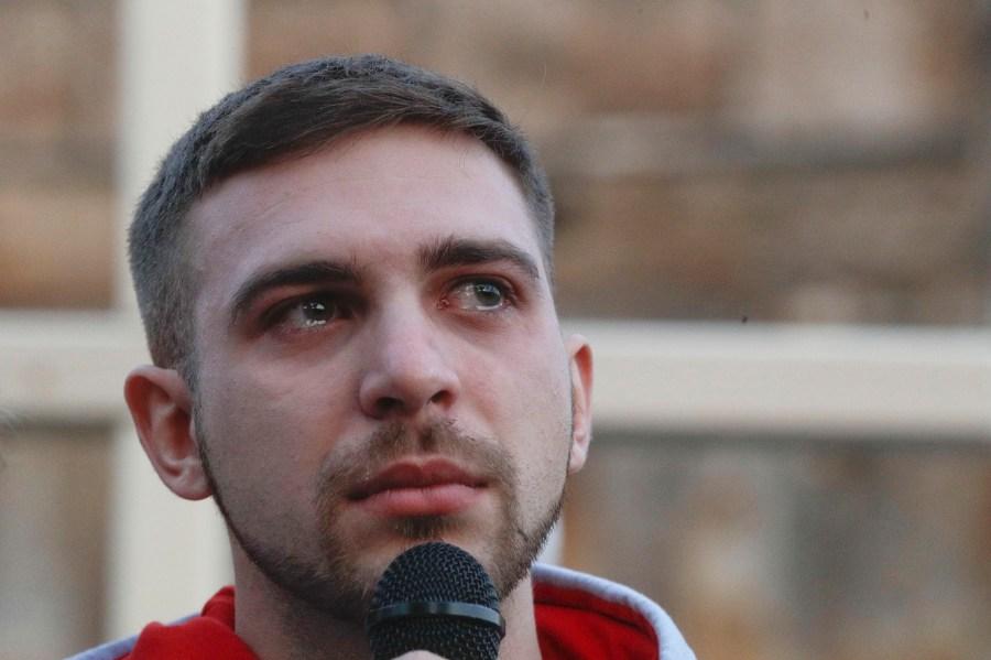 Alessandro Battaglia, un a de las víctimas de abuso sexual de la Iglesia.  (AP Photo/Gregorio Borgia)