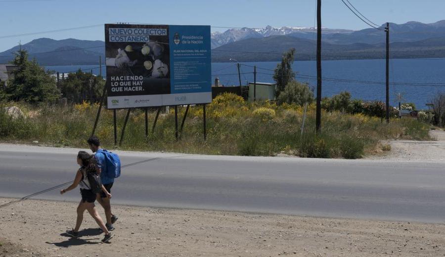 El colector costanero tiene carteles desde hace dos años pero la obra no arrancó. Archivo