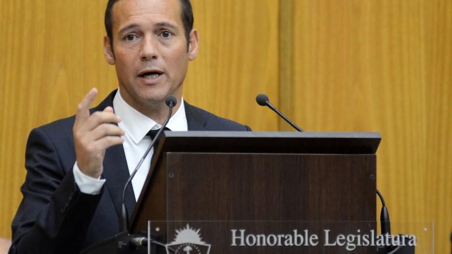 El gobernador Omar Gutiérrez jurará esta tarde en la Legislatura. (Archivo Mauro Pérez).-