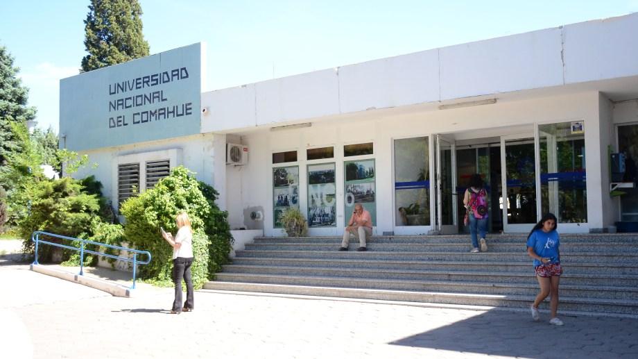 Las autoridades de la Universidad Nacional del Comahue iimpulsan el dictado online de sus carreras