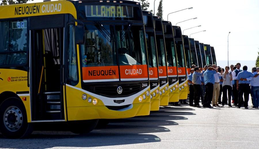Foto: La presentación de las nuevas unidades se realizó en la Plaza de las Banderas. Foto: Mauro Pérez