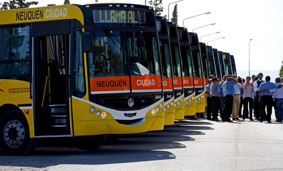 12-03-2019 NEUQUEN - HORACIO QUIROGA PRESENTO LOS NUEVOS COLECTIVOS  - MAURO PEREZ