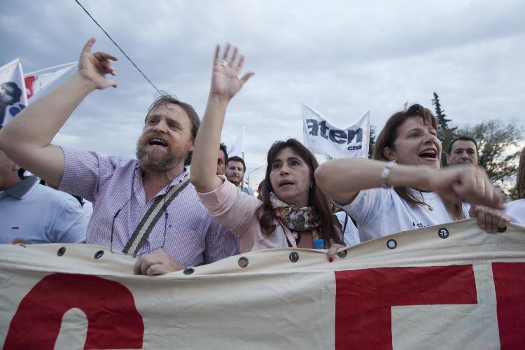 Sandra Rodríguez, junto a Marcelo Guagliardo, encabezaron las machas en reclamo de Justicia