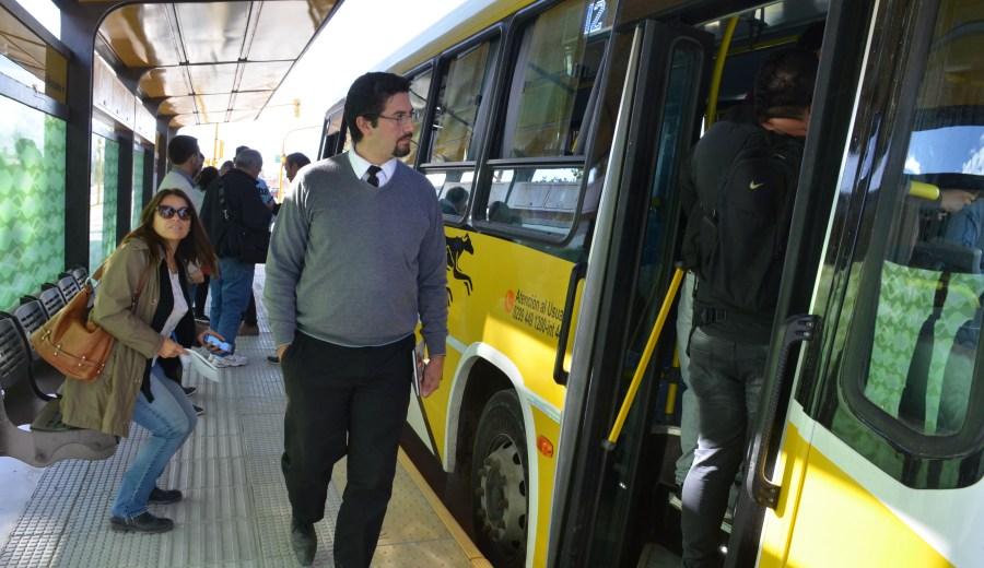 Los colectivos comenzaron las pruebas en el Metrobús. (Foto: Yamil Regules)