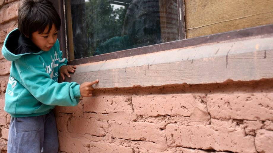 Los vecinos de Sauzal Bonito fueron quienes llamaron la atención sobre los sismos, denunciando que sus casas se agrietaban. (Archivo Florencia Salto).-