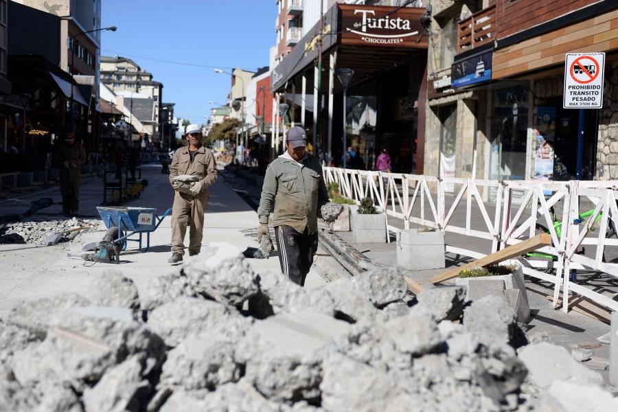 Los inspectores volvieron a identificar fallas en la calle Mitre. Foto: Chino Leiva