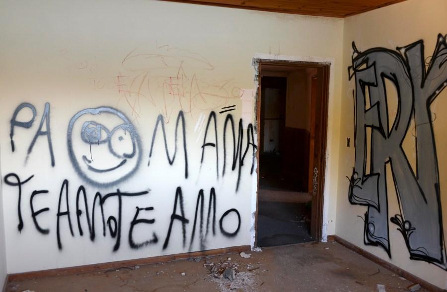 Una de las habitaciones del primer piso. (Foto: Alfredo Leiva)