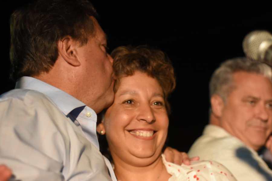 La exministra de Turismo tuvo protagonismo central en el acto de anoche en Fernández Oro.