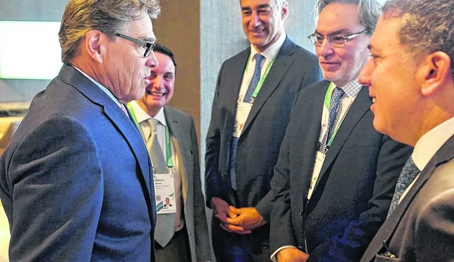 Dujovne y Lopetegui dialogaron ayer con el secretario de Energía de Estados Unidos, Rick Perry. Ahora llega el turno del FMI. Foto: Gentileza
