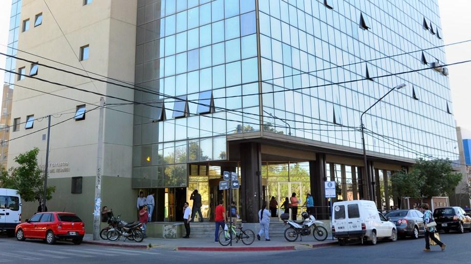 El organismo encargado de la recaudación de los tres impuestos en Neuquén planificó recaudar 44 100 millones de pesos el año próximo. Foto Neuquén Informa