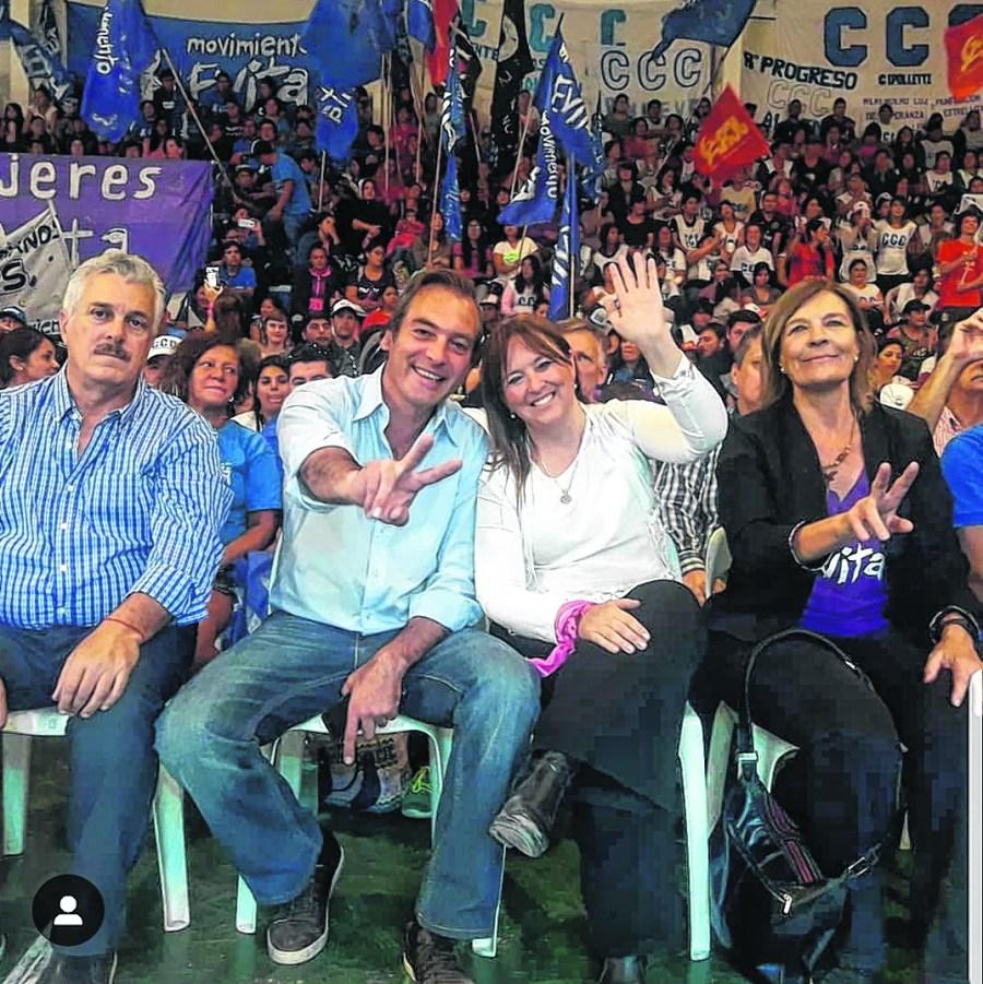 Soria y Odarda ayer en el acto con movimientos sociales en Roca. Foto: gentileza