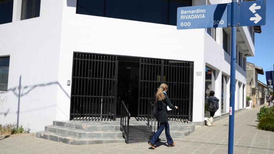 El juzgado a cargo de la jueza de Familia Marcela Pájaro tiene su sede en Rivadavia y Gallardo de Bariloche. (Foto Archivo)