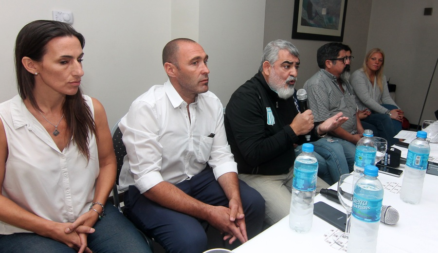 La alianza de Unidad Ciudadana/Frente Neuquino, denunció irregularidades en la impresión de la boleta electrónica. (Foto: Oscar Livera.-)