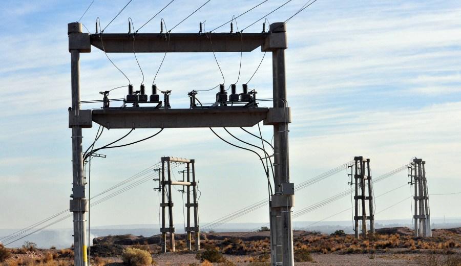 Desde el EPEN se explicó que fue difícil encontrar el origen de la fala que causó problemas en el suministro eléctrico.  (Archivo Yamil Regules)