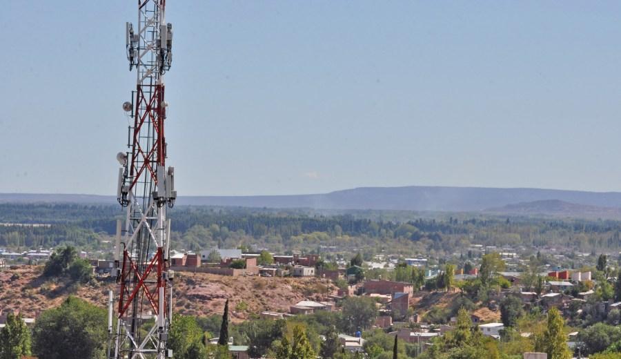 De aprobarse el convenio, Torresec instalará 50 torres en las que alquilará espacios para colgar antenas. (Archivo Juan Thomes).-