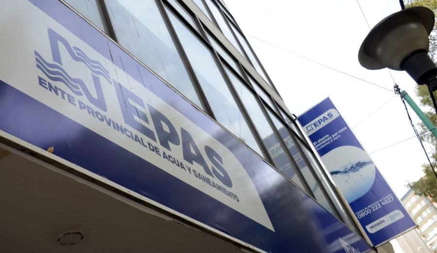 El EPAS pidió a los vecinos que hagan uso responsable del agua. (Archivo Juan Thomes).-