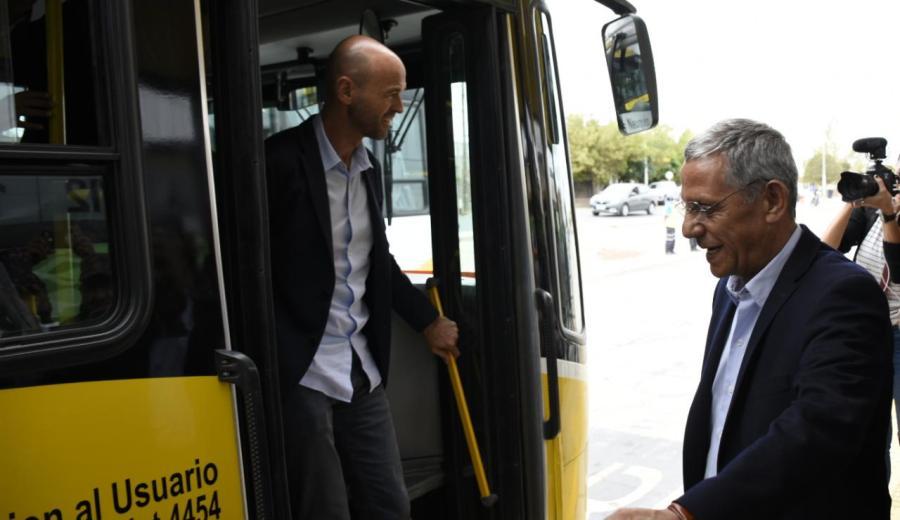 Finalmente se inauguró el primer tramo del metrobus de Neuquén. (Florencia Salto).-