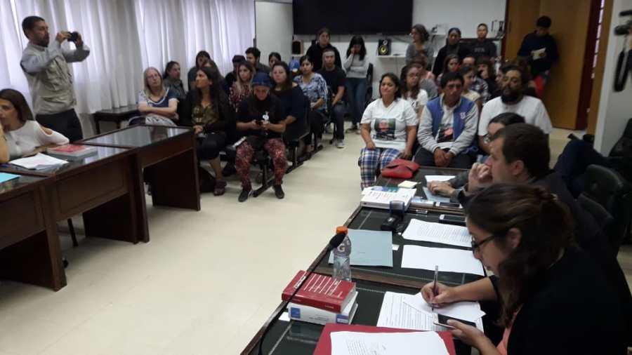 La audiencia se realiza en la Justicia Federal de Roca y los padres de Nahuel participan como público. (Foto: César Izza)
