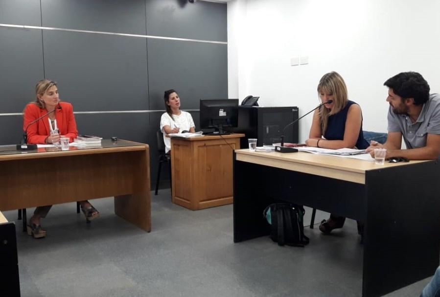 La fiscal Betiana Cendón acusó al joven por el intento de homicidio de un feriante y lesionar a otra persona. (Gentileza)