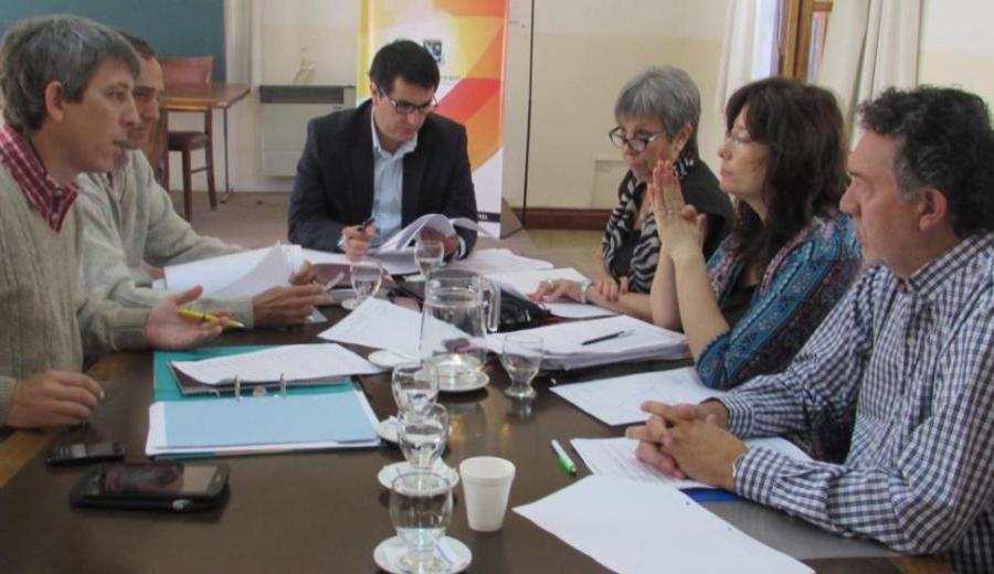Ante la falta de acuerdo para definir a los sucesores, el Concejo Municipal podría extender los mandatos actuales. Foto: archivo