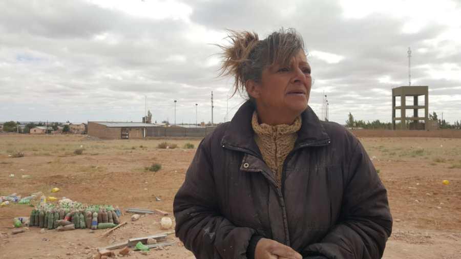 Alicia Moriconi levanta su casa con sus propias manos y la solidaridad de decenas de vecinos.