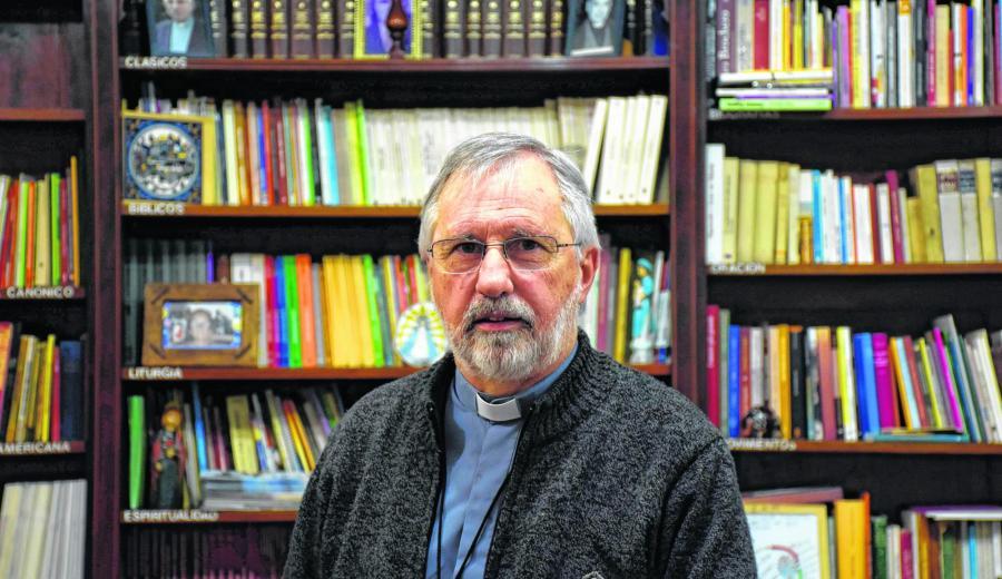 El obispo Fernando Croxatto publicó una carta con pautas a tener en cuenta a la hora de votar. (Archivo).-