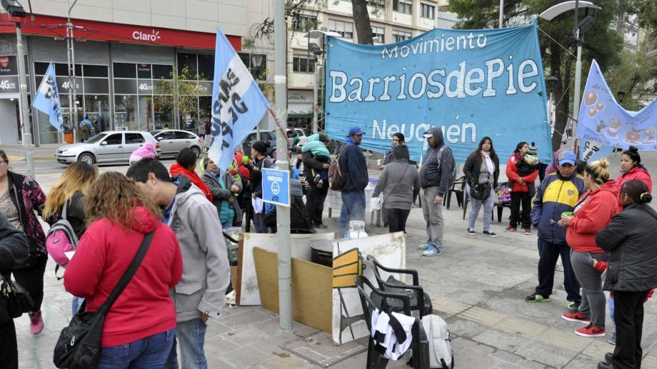 Barrios de Pie se concentrará a las 10 en el monumento. (Archivo).-
