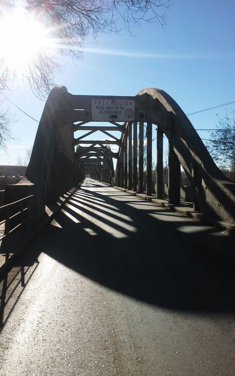 Cortarán los puentes Neuquén-Cipolletti para hacer una prueba de cargas