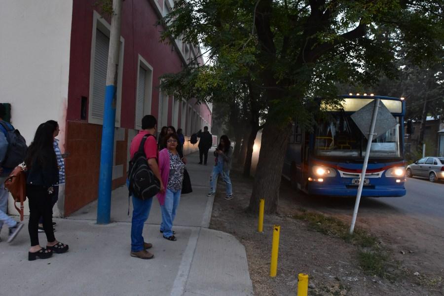 12-03-19 roca colegio san miguel alumnos del cem 9 comienzan clases