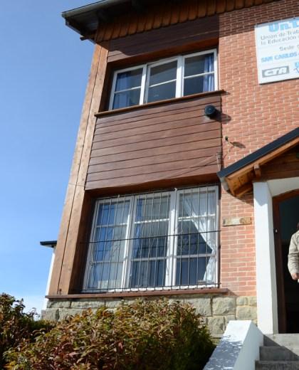 En Unter Bariloche hicieron el reclamo por 14 trabajadores afectados del Instituto Docente.