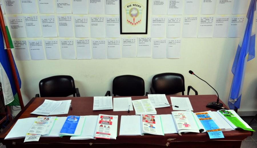 Audiencia en el tribunal electoral por las boletas que se utilizarán en la proximas elecciones provinciales. Foto : Marcelo Ochoa.