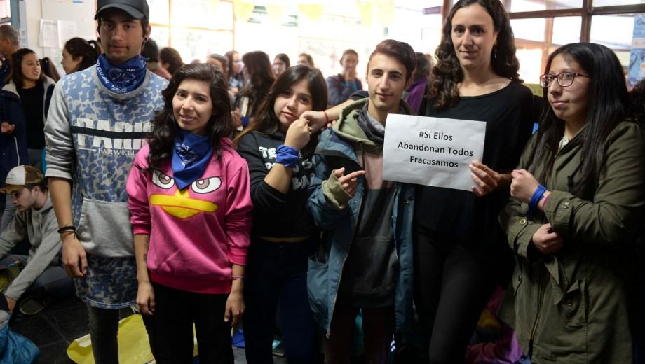 La protesta se llevó a cabo esta mañana en el hall central del Crub. Foto: Chino Leiva