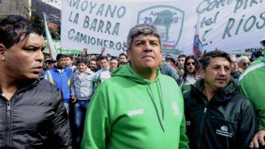 En paritaria, Camioneros  logró un aumento salarial del 30%. Pablo Moyano destacó que la paritaria estaba vencida y que son personal escencial. Foto archivo.