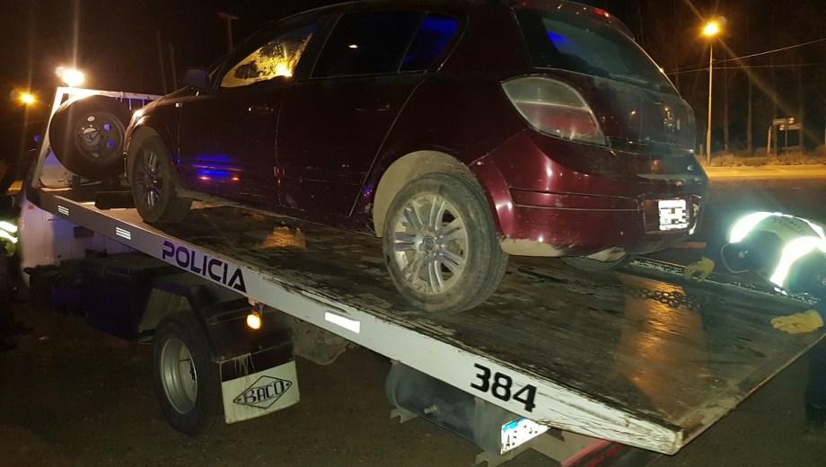 La policía secuestró el vehículo en el Parque Industrial de Neuquén. (Foto: Gentileza.-)