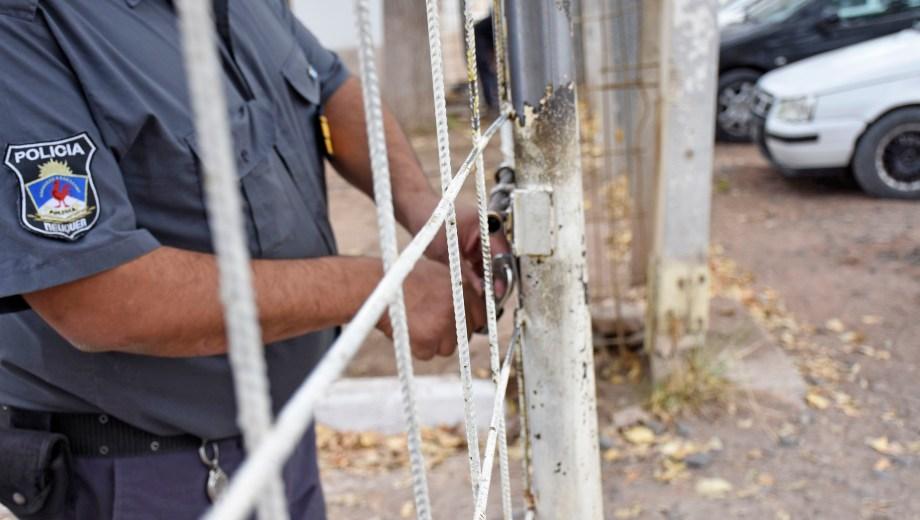 La provincia carece de un comité contra la tortura, cuya función es realizar visitas de inspección a los lugares de detención. Foto Florencia Salto