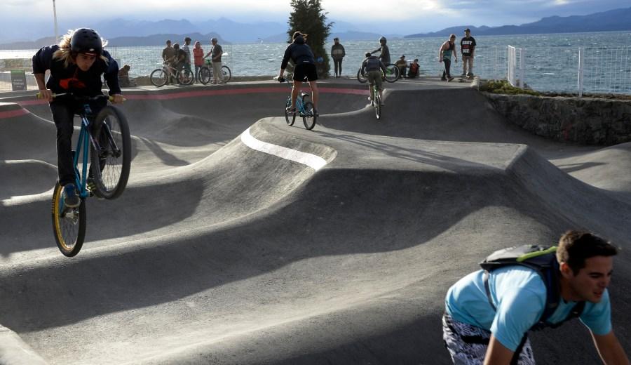 El pump track será para uso de bicicletas y skaters hasta que se habilite el skate park. (Foto: Alfredo Leiva)