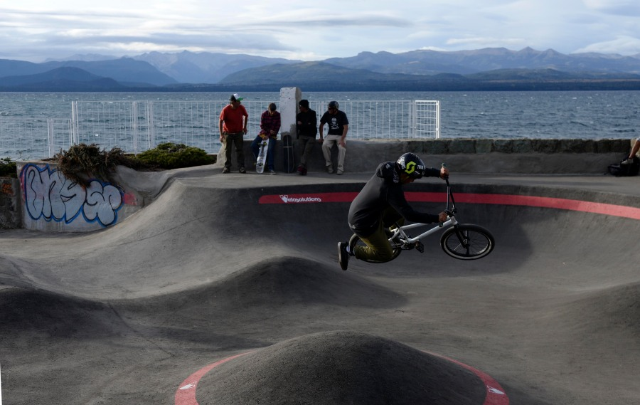 Cada tarde, el pump track desborda de riders. (Foto: Alfredo Leiva)
