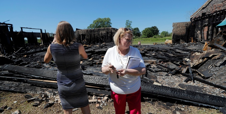Una de las tres iglesias que fueron incendiadas en los últimos días. Hay un sospechoso detenido. (Foto AP: Gerald Herbert)