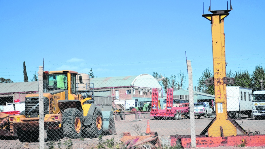 Pymes neuquinas. El sindicato petrolero, la Uocra y la Federación de Cámaras del Sector Energético defienden la contratación local.  Foto: Mauro Pérez