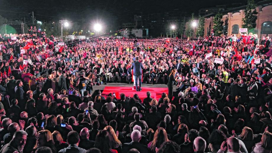 El presidente del gobierno Pedro Sánchez, en su acto de cierre. Foto: AP