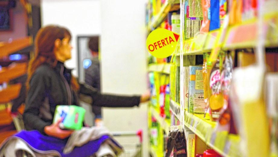 En los supermercados de de Neuquén se registra una merma en el consumo. Foto: archivo.