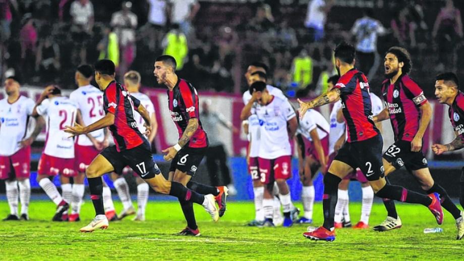 San Lorenzo dejó en el camino, por penales, a Huracán.