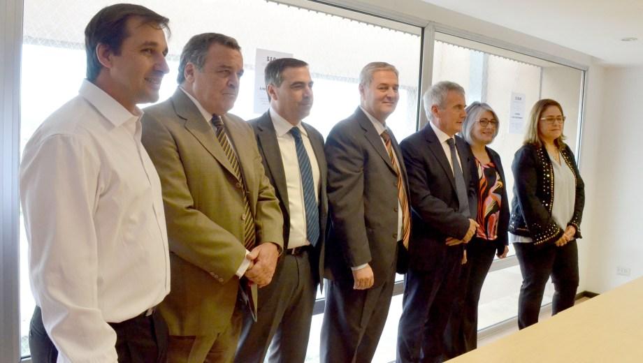 El Consejo en pleno: Domínguez, Inaudi, Mazieres, Gallia, Moya, Morillo y López Osornio.